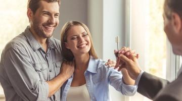 Propriétaires : tout savoir sur les clauses des contrats de location